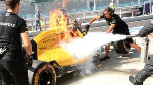 Incendio en el Renault de Kevin Magnussen