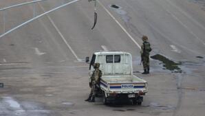 El golpe de Estado en Zimbabue, en imágenes