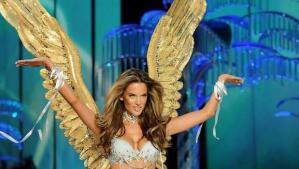 Las alas que ha lucido Alessandra Ambrosio durante sus 17 años como ángel de Victoria's Secret