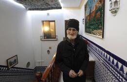 La llegada de Antonio Escobar a su nueva casa en Fuentes de Andalucía, en imágenes