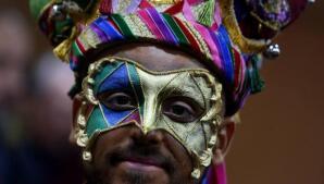 FOTOS: Sesión de maquillaje con Ares en el Carnaval de Cádiz 2018