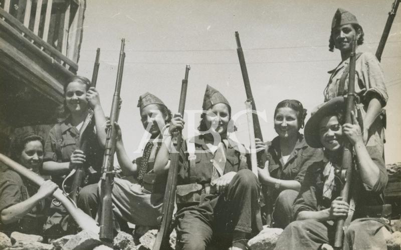 Milicianas, mujeres en pie de guerra