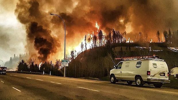 Un incendio provoca desalojos en Canadá