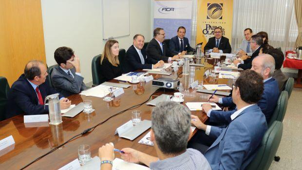Las once mayores empresas de Alcalá y la Olavide sellan una alianza para fomentar el crecimiento económico