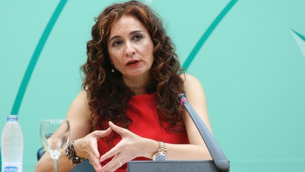 La Junta asegura que «no dará marcha atrás en la aplicación de las 35 horas»