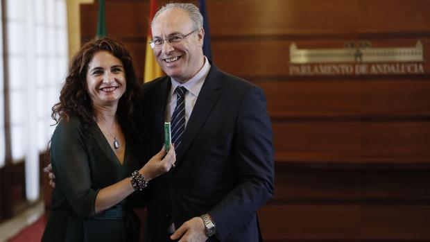La oposición devuelve el Presupuesto de la Junta a Susana Díaz