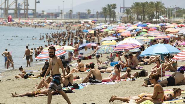 Andalucía supera por primera vez los 25 millones de pernoctaciones en verano