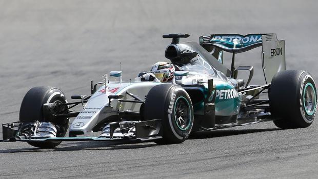 Hamilton empieza por delante de Vettel