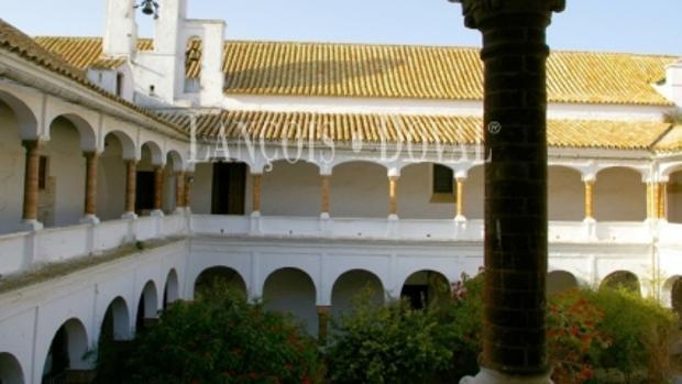 Ponen a la venta el convento de la Concepción de Carmona, del siglo XVI