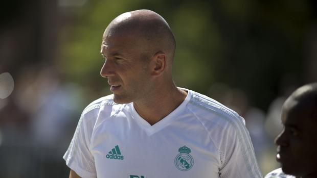 Zidane: «Nos falta un delantero»