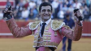 Las imágenes más llamativas de las corridas de la Feria de Abril (II)