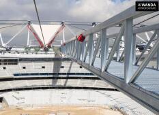 Comienza la instalación de la cubierta del Wanda Metropolitano