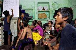 Niños sin infancia en la India