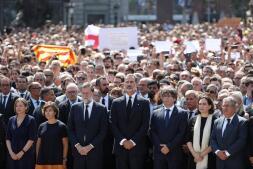 Las imágenes del minuto de silencio por los atentados de Barcelona y Cambrils