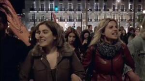 Multitudinaria protesta en Atenas