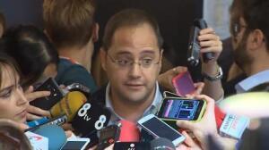 El PSOE vota abstenerse en la investidura de Rajoy