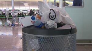 La suciedad se acumula en el Aeropuerto de Barcelona