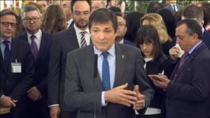 """Javier Fernández: """"Reformar la Constitución es la mejor manera de fortalecerla"""""""