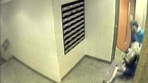 Comienza el juicio al ucraniano que propinó una paliza a su pareja en el portal de su casa