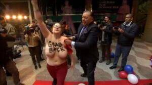 Las Femen protestan en la presentación de la figura de cera de Trump en Madrid