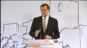 """Rajoy pide """"prudencia"""" con el presidente de Murcia"""