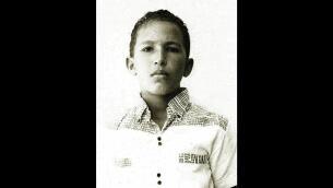 Chávez, de niño a hombre