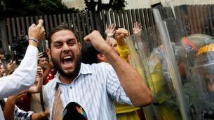 Las imágenes más impactantes de los disturbios en Venezuela