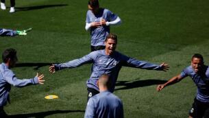 Derbi de Champions: el entrenamiento del Real Madrid, en imágenes