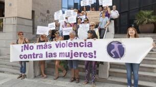 Imágenes de las concentraciones celebradas en varias ciudades españolas para apoyar a Juana Rivas