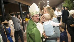 La bendición de la nueva parroquia, en imágenes