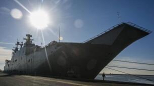 El portaaviones «Juan Carlos I» atraca en Huelva