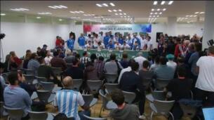Así celebró Argentina su primera Copa Davis en la sala de prensa