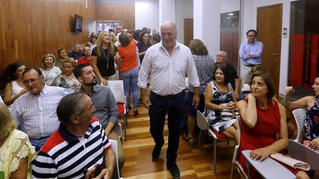 Antonio Ruiz señala que el cese de Crespín para su dedicación exclusiva al PSOE estaba «acordado»