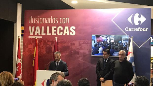 Carrefour inaugura en Vallecas (Madrid) el primer supermercado 24 horas de España