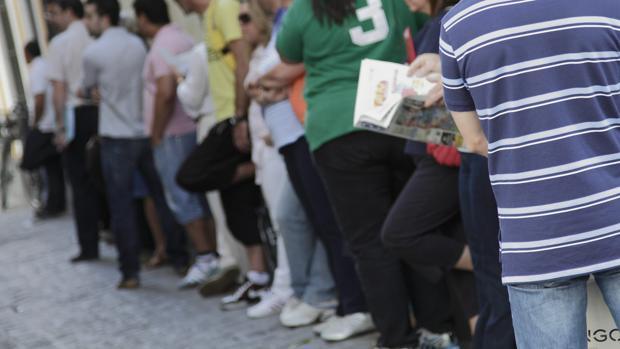 Sevilla capital redujo el paro en casi 5.000 personas en el año 2017