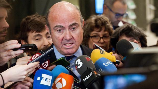 De Guindos apela a su independencia como aval para entrar en el BCE