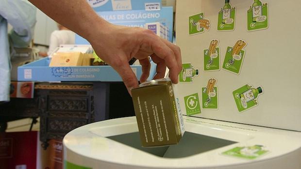 El 85% de los canarios recicla medicamentos usados