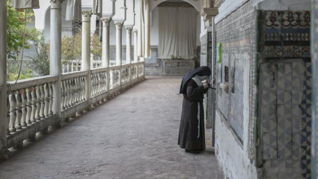 La abadesa de Santa Inés: «La venta de dulces nos da sólo para vivir y pagar la Seguridad Social»