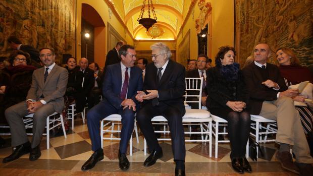 Plácido Domingo agradece ser Hijo Adoptivo y mantener su relación con Sevilla