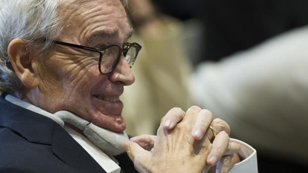 Francisco Luzón: «Lo fundamental es que los enfermos vivan mejor, no la eutanasia»