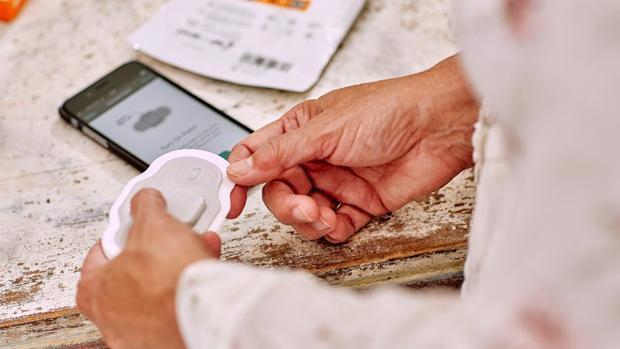 Así funciona la «píldora digital» que controla si el paciente se la tomó