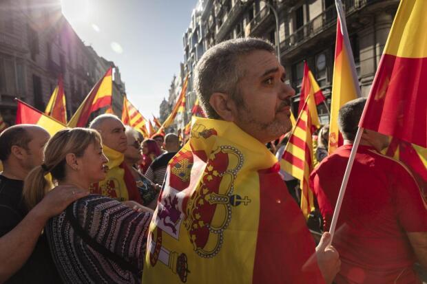 Barcelona pide unidad: un millón de almas en unos pocos rostros