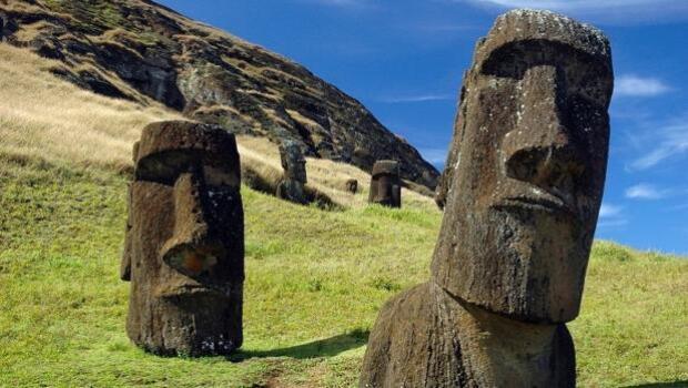 ¿Quiénes eran los rapanui, los misteriosos creadores de las estatuas gigantes de la Isla de Pascua?