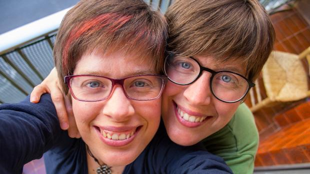 """Art Al Quadrat: «Somos creadoras duales feministas a demanda, con la misión actual de crear y """"criar""""»"""