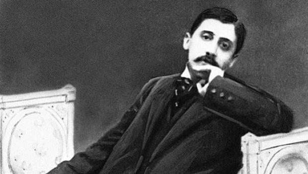 Proust pagó a críticos para que glosaran su genio