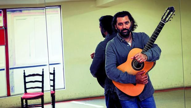 Josemi Carmona: «Los guitarristas nos fustigamos mucho»