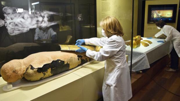 Descubren la lista de la compra del antiguo Egipto en los papiros que envuelven a las momias