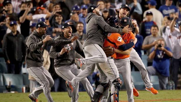 Los Houston Astros ganan las World Series en el séptimo partido