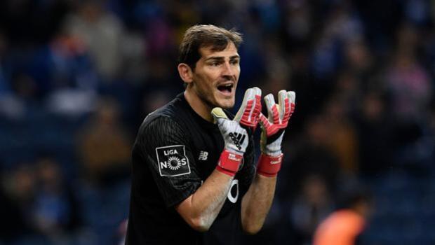 Casillas enerva a la afición del Sporting de Portugal