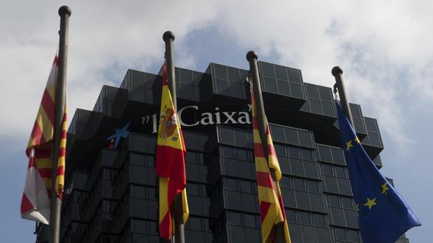 Directo independencia Cataluña: la CNMV anuncia que Caixabank cambia su sede de Cataluña a Valencia